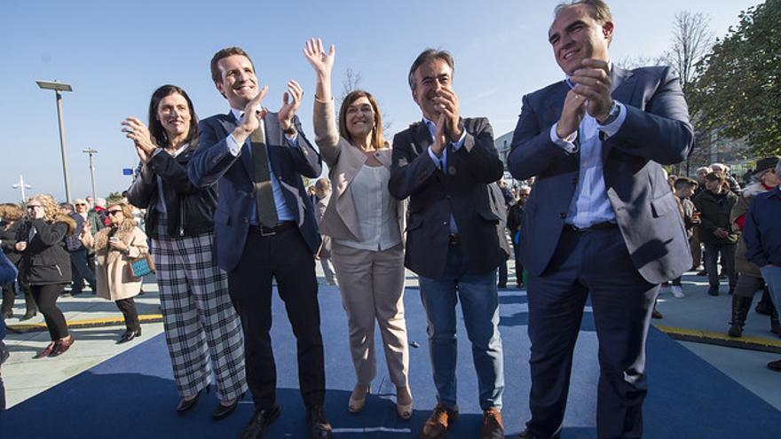 Gema Igual, Pablo Casado, María José Sáenz de Buruaga, Diego Movellán y Javier Puente en campaña.