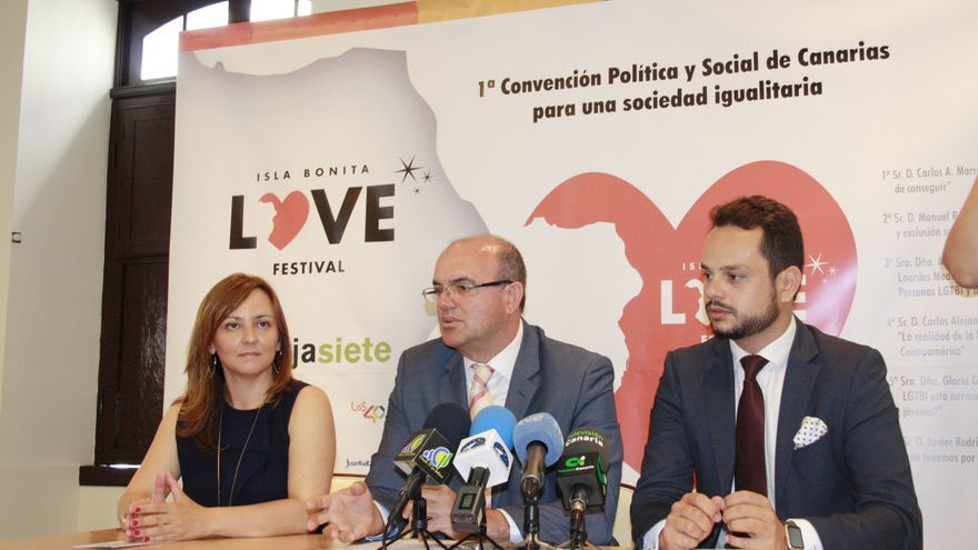 Nieves Lady Barreto, Anselmo Pestana y Jordi Pérez, este jueves.