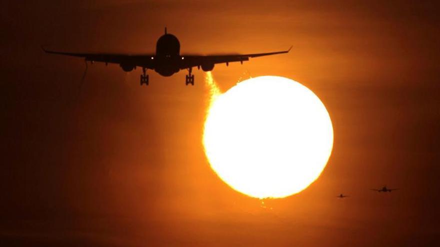 El sector aéreo mundial ganará este año un 2,3 % menos, pero mejorará en 2018
