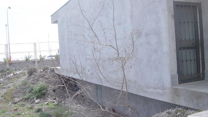 Lateral de la caseta de la zona ZEC (febrero 2009)