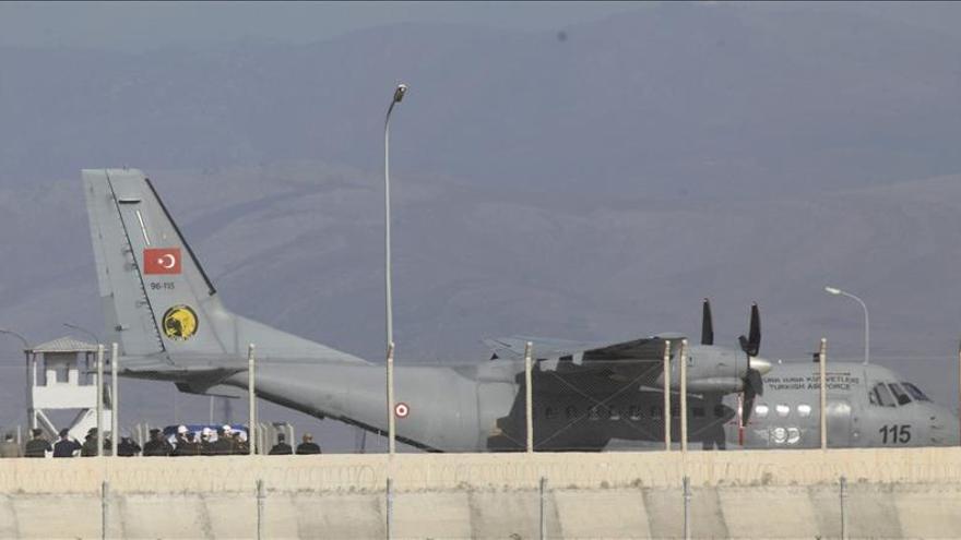 Turquía recupera el cuerpo del piloto ruso en Siria tras el derribo de avión