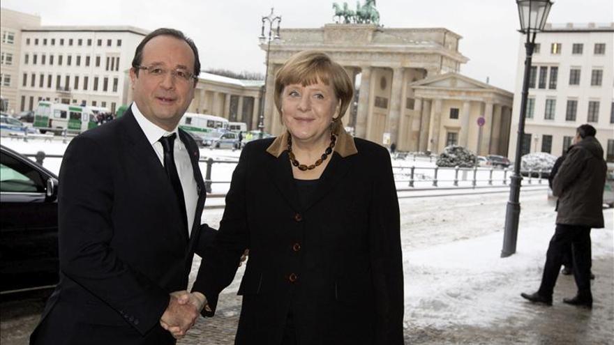 Hollande y Merkel aprovechan el Francia-Alemania para preparar la cumbre de la UE