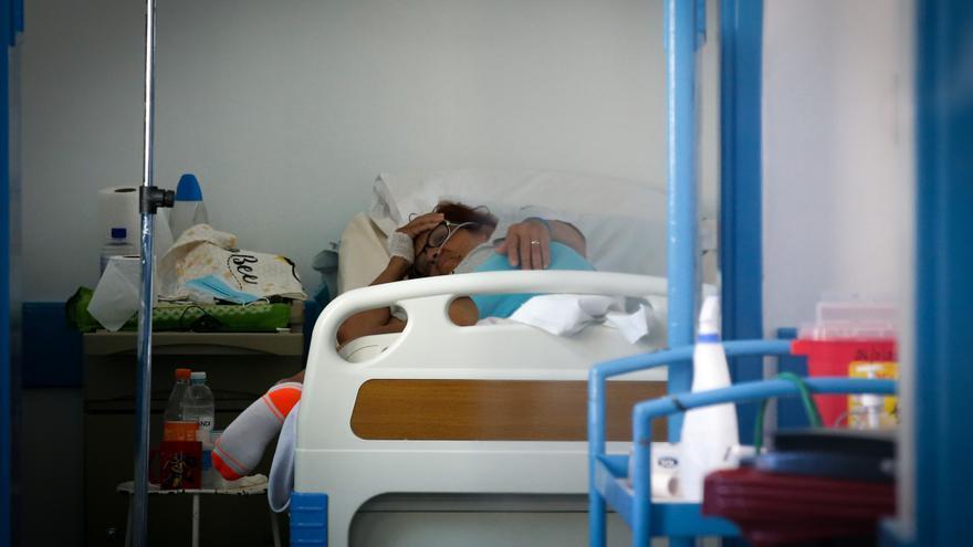 Uruguay registra cinco fallecimientos y 417 casos nuevos de la covid-19