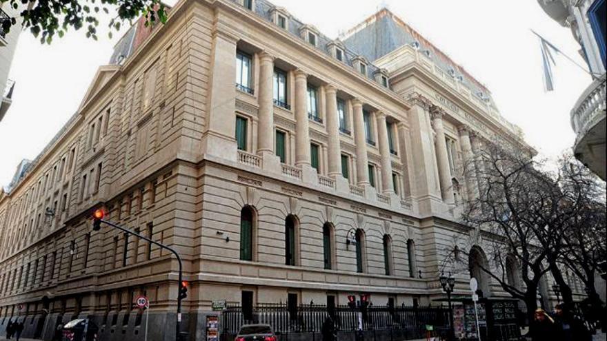 El inicio de clases en el Colegio Nacional Buenos Aires de la UBA era el lunes 5, pero la Asamblea Gremial Docente dijo que no era seguro volver a las aulas.