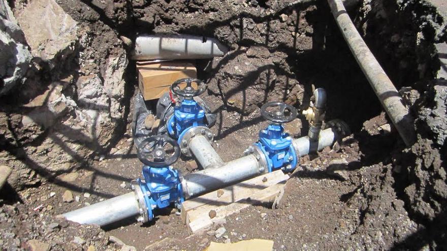 En la imagen, una de las obras de reposición llevada a cabo en red de aguas de Los Llanos de Aridane.