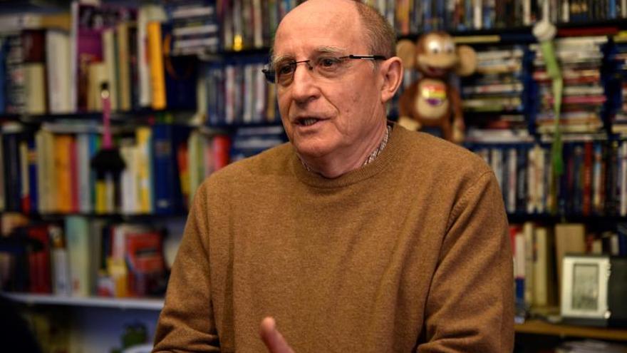 Ángel Carrasco, el 5 de abril atendiendo a los medios tras su puesta en libertad.