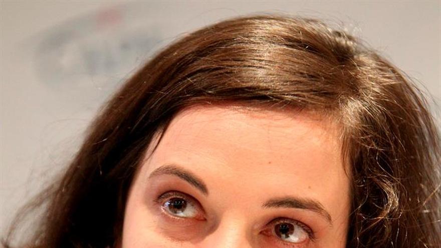 La ministra de vivienda, mujer del ecologista francés acusado de acoso, dice que se enteró ayer