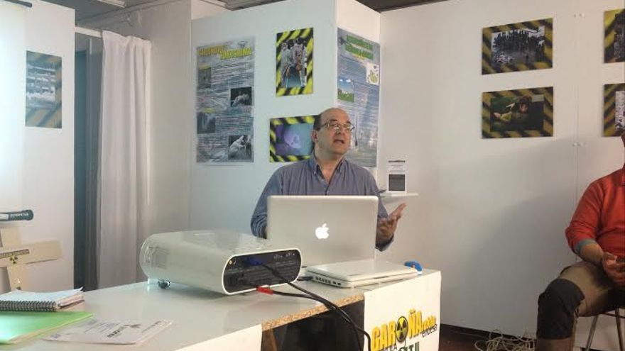 Juanjo Estevez, de SOm Energia en la charla ofrecida en Vitoria-Gasteiz.