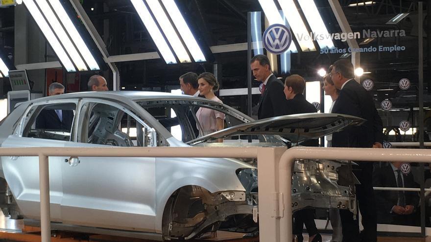 """Bruselas promete a los consumidores europeos mediar para un """"trato justo"""" con VW"""