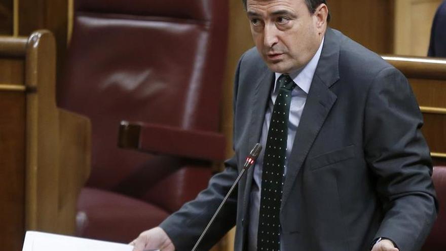 Esteban reprocha a Rajoy la falta de gestos pero aún así está abierto al diálogo