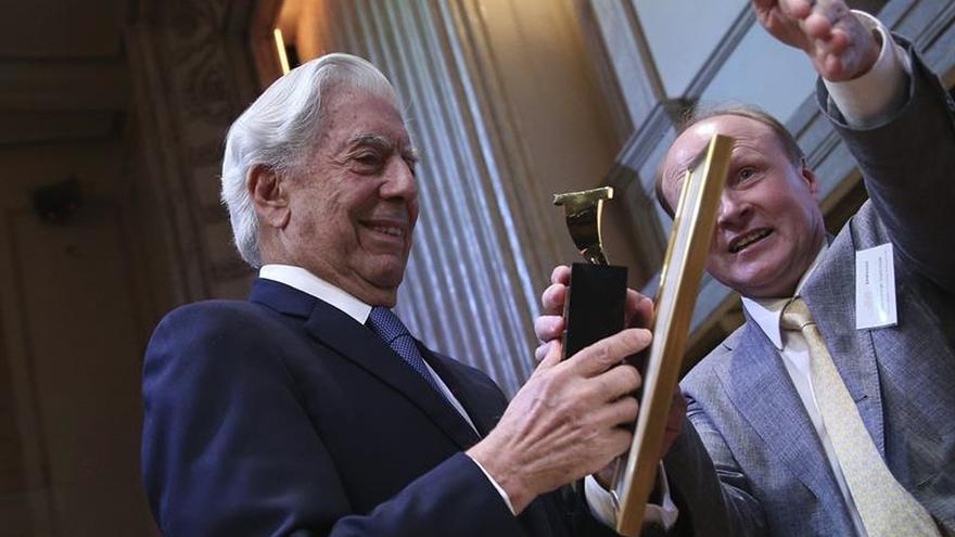 Vargas Llosa confiesa la gran influencia de Tolstói en su obra