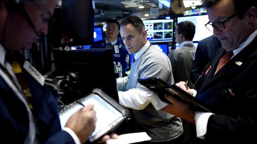 Wall Street abre al alza y el Dow Jones avanza un 0,48 por ciento