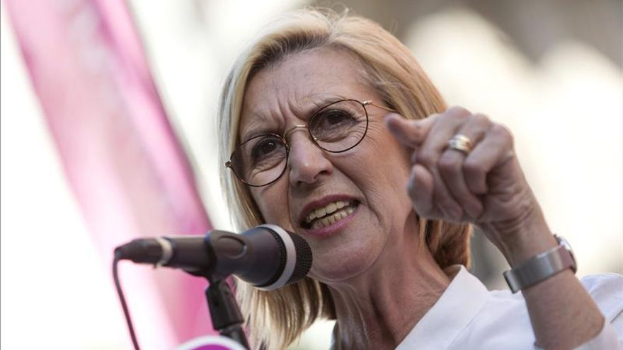 Rosa Díez califica de obsceno y cruel que Rajoy niegue que se hable del paro