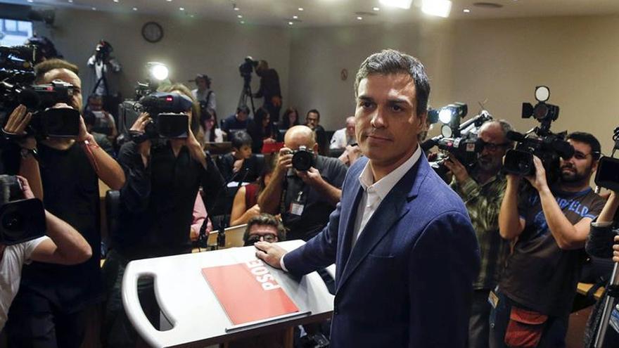 Pedro Sánchez en la comparecencia en la que anunció su renuncia al acta.