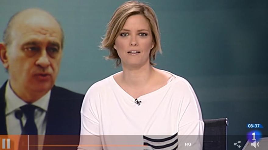 La presentadora de Los Desayunos, María Casado, dando paso a la noticia