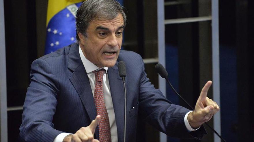 La comisión que juzga a Rousseff rechaza como prueba una delación que salpica a Temer