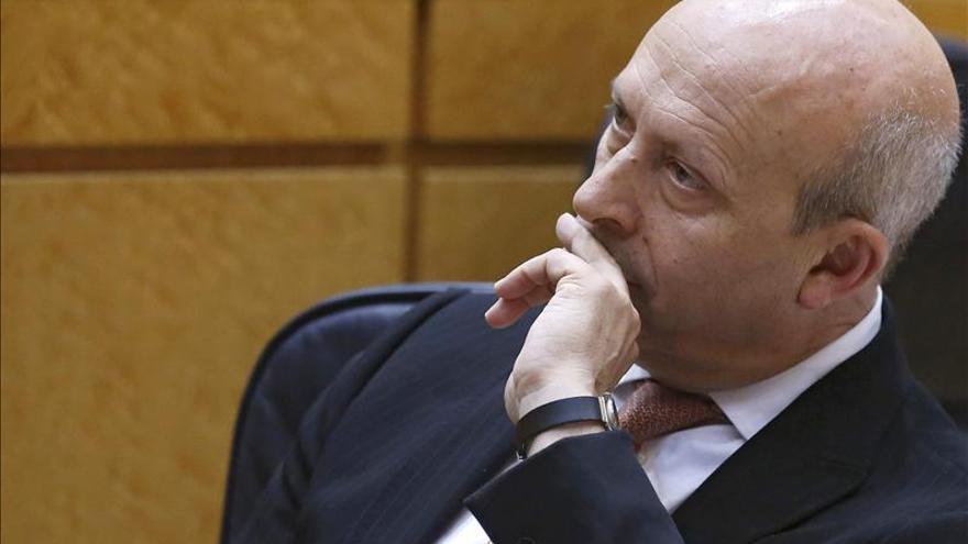 Los rectores volverán a pedir a Educación que no exija un 5,5 para las becas