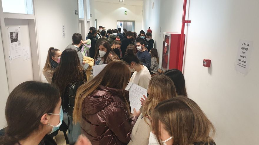 University exams in the midst of a pandemic: the difficult fit between health security and avoiding cheating