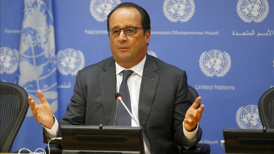 Castro se reúne con Hollande en los márgenes de la Asamblea General de la ONU