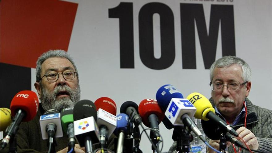 La Cumbre Social alerta de que el paro y la corrupción socavan la democracia