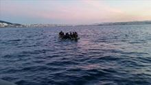 Salvamento Marítimo traslada a Melilla a 12 mujeres y tres menores llegados en patera a las islas Chafarinas