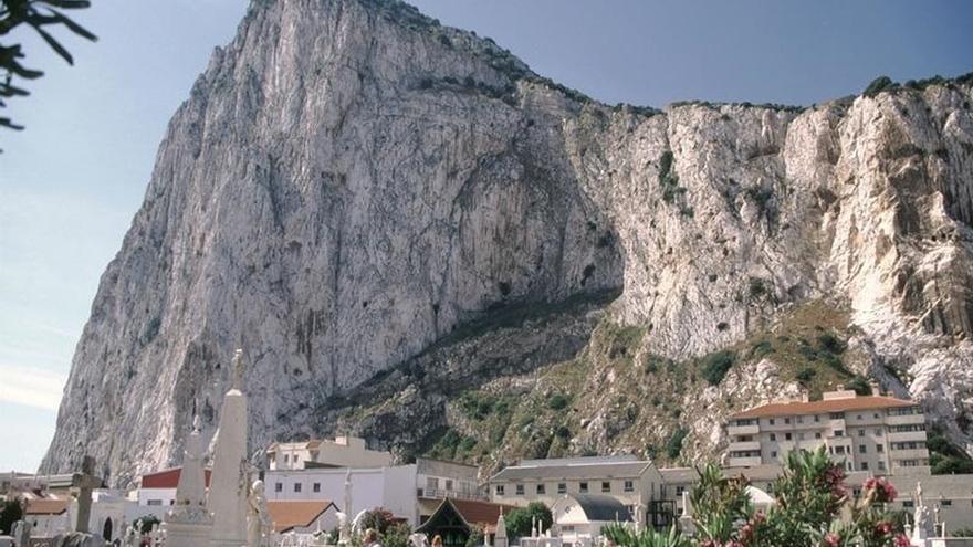 Gibraltar logra el compromiso de Londres para consultar cualquier futuro acuerdo de libre comercio