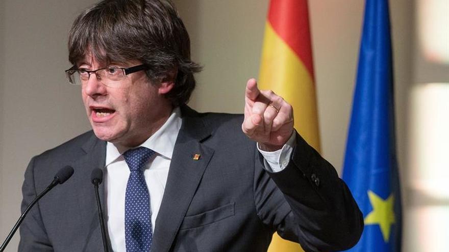 """Puigdemont, """"dispuesto"""" a encabezar una lista unitaria de agrupación de electores"""