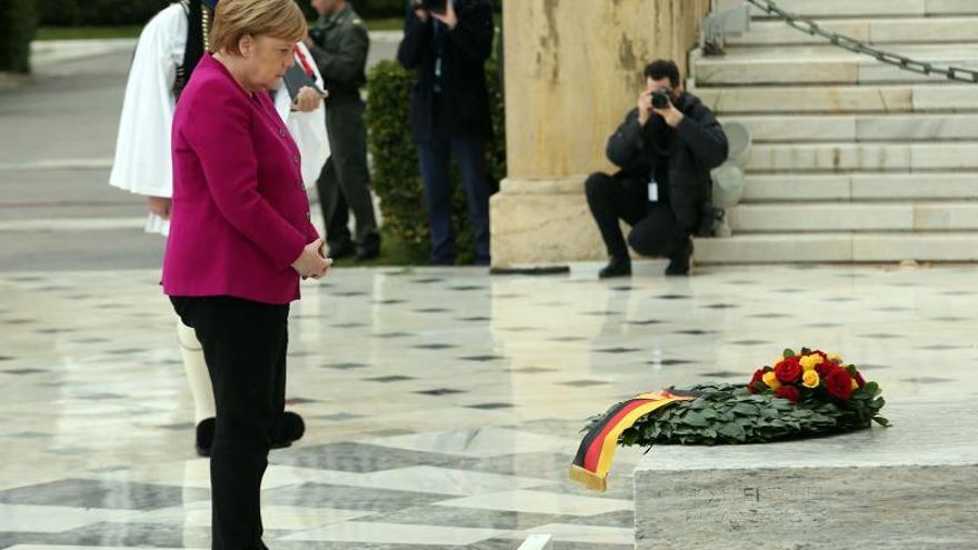 La canciller alemana muestra su apoyo a Grecia por el cambio de nombre de ARYM
