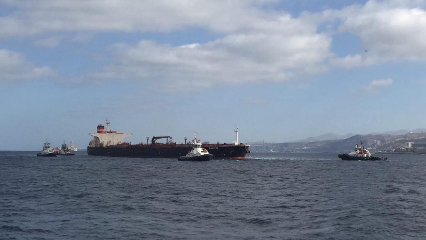 El 'Lady M' entrando al Puerto de La Luz y Las Palmas (CANARIAS AHORA)