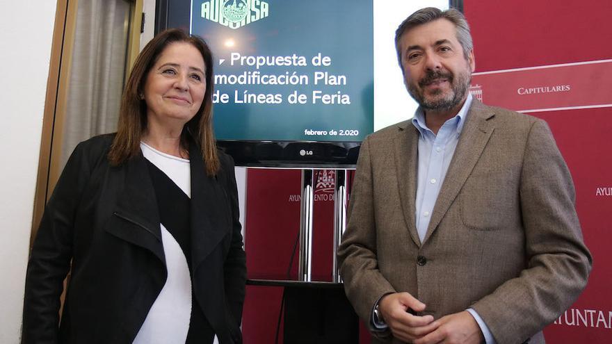 Ana Tamato y Miguel Ángel Torrico presentando el nuevo trazado de Feria de Aucorsa  RAFAEL MELLADO