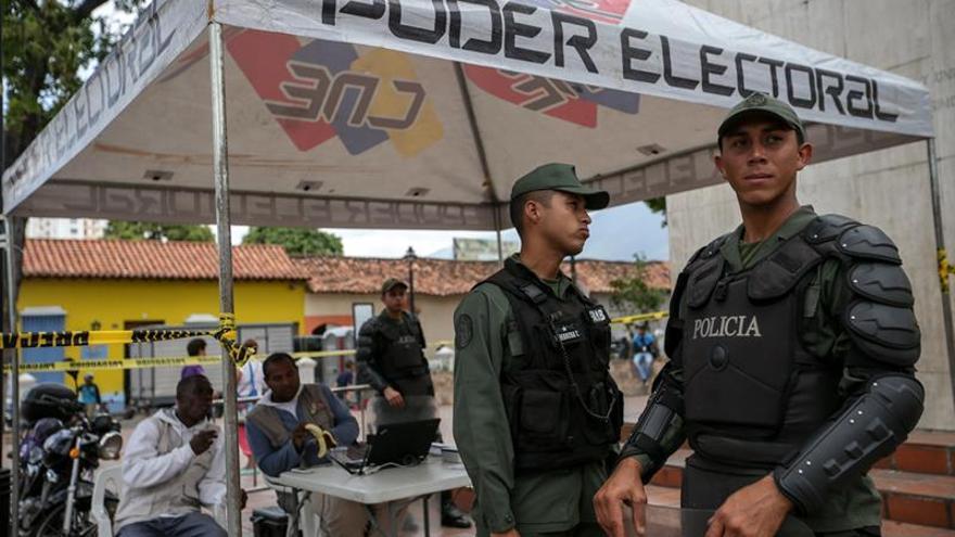 El Supremo venezolano ordena un nuevo esquema de validación de partidos políticos
