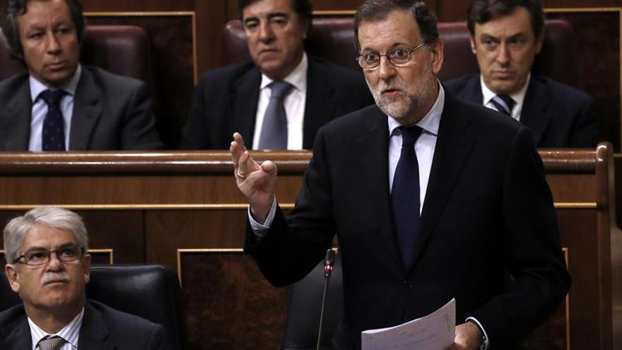 Rajoy defiende independencia RTVE y dice que el reto es adaptarse a cambios