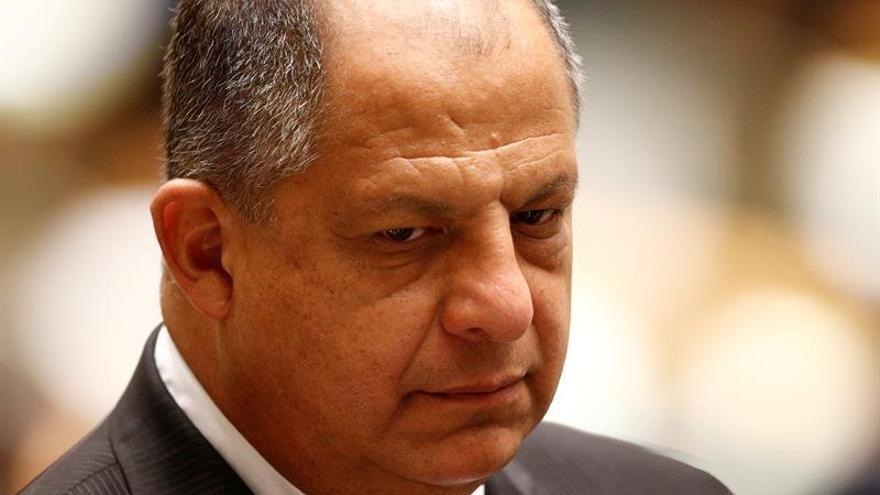 El presidente de Costa Rica sale del hospital tras una operación de próstata