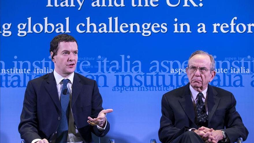 Italia defiende la solidez de su banca y baja el volumen de créditos dudosos