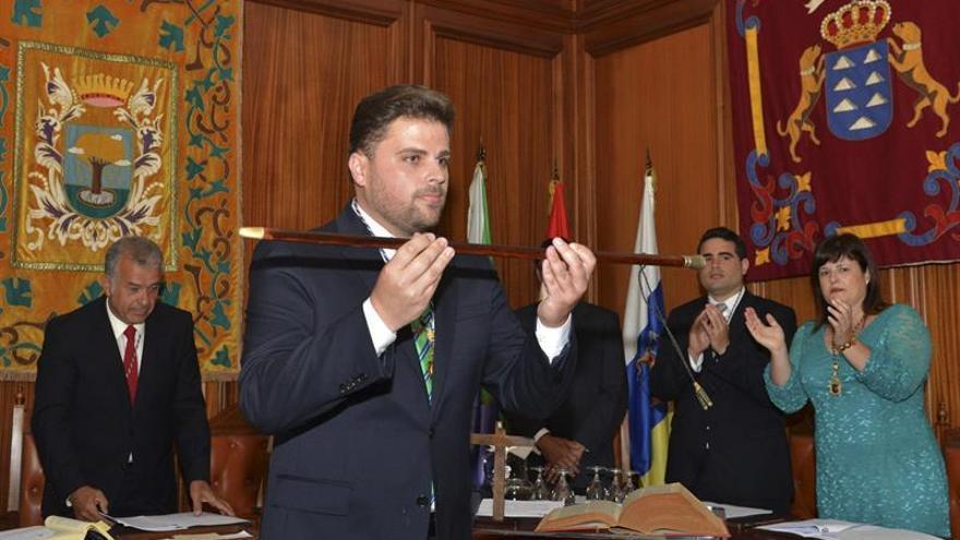 Daniel Morales (CC-AHI) ha sido proclamado alcalde del Ayuntamiento herreño de Valverde. (EFE/Gelmert Finol).