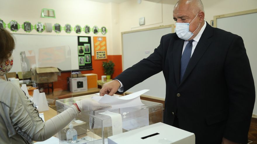 Borisov asume que no formará Gobierno en Bulgaria y ofrece apoyo a su rival