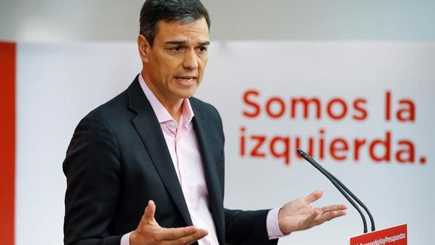 """Sánchez ve """"compatible"""" su fondo de pensiones con defender el sistema público"""