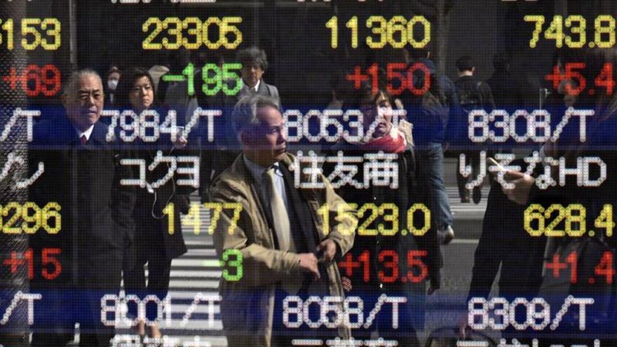 La Bolsa de Tokio cae un 0,01 % en la apertura hasta los 20.951,84 puntos
