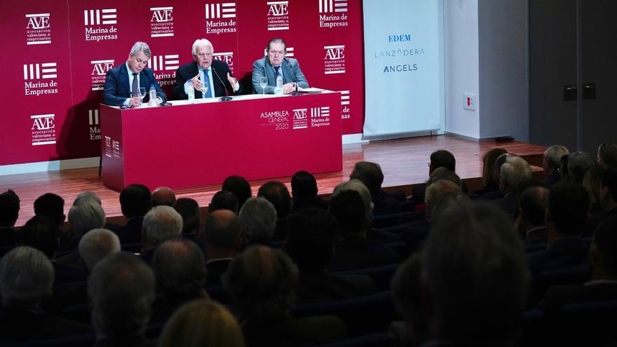 Felipe González advierte al Gobierno que no se pueden hacer las reformas que necesita España con sus apoyos oportunistas