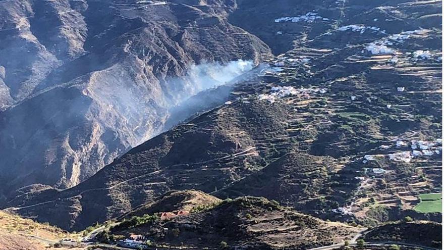 Imagen cedida por el Grupo de Emergencias y Seguridad de Canarias del incendio forestal en Gran Canaria.