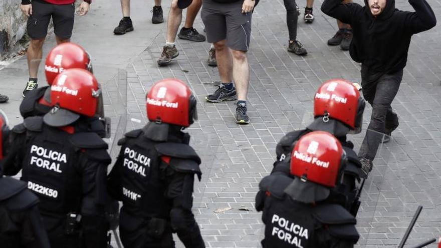 Desalojado un palacio okupado en Pamplona entre protestas y críticas al Gobierno