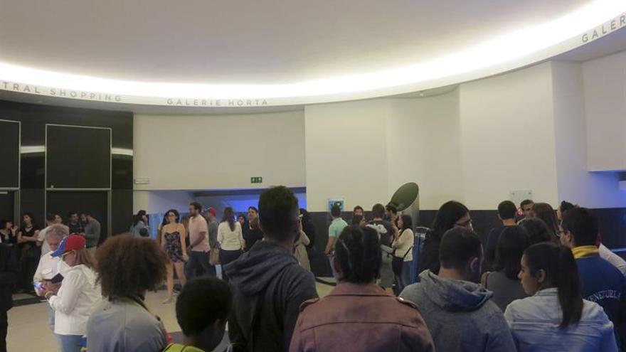 Cientos de venezolanos en Bruselas participan en la consulta de la oposición