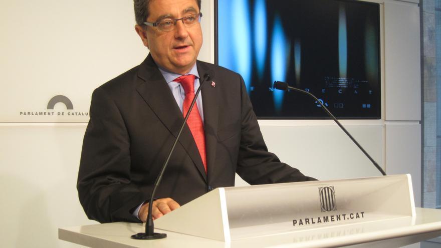 """El portavoz del PP en el Parlamento catalán critica a quienes presentan al Gobierno central como unos """"chorizos"""""""