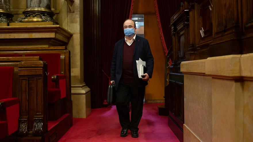 El primer secretario del PSC, Miquel Iceta, a su llegada a una sesión celebrada en la Diputación Permanente del Parlament, en Barcelona, Catalunya, (España), a 13 de enero de 2021.