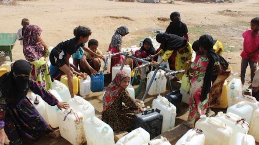 Campo de desplazados de Al-Manjorah, en Hajjah, donde Oxfam proporciona agua potable a cerca de 20.000 personas