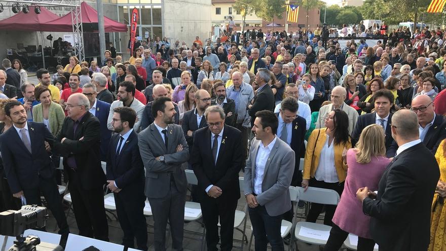 """Junqueras critica """"la represión brutal"""" del 1-O y elogia el coraje de alcaldes y ciudadanos"""