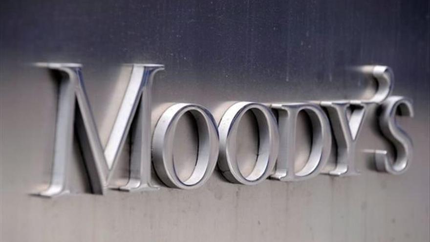 Moody's anuncia que revisará a la baja la solvencia crediticia griega