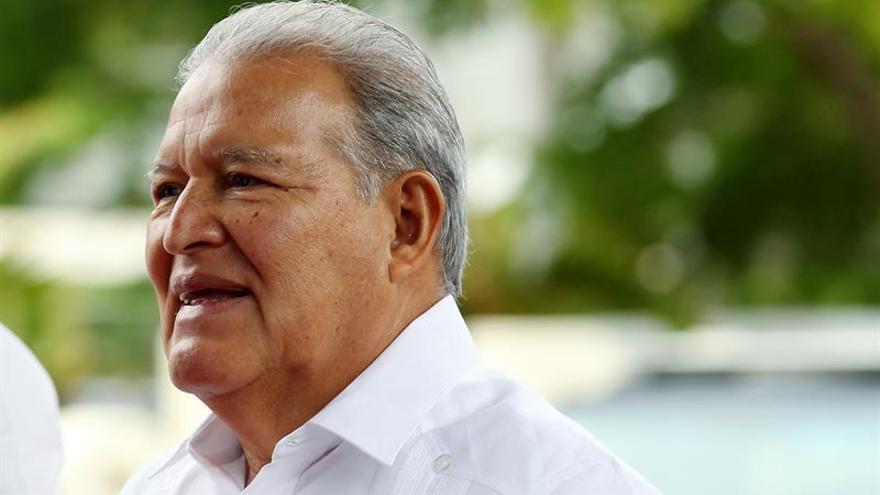 """El presidente salvadoreño esperanzado con la """"pronta"""" canonización de Romero"""