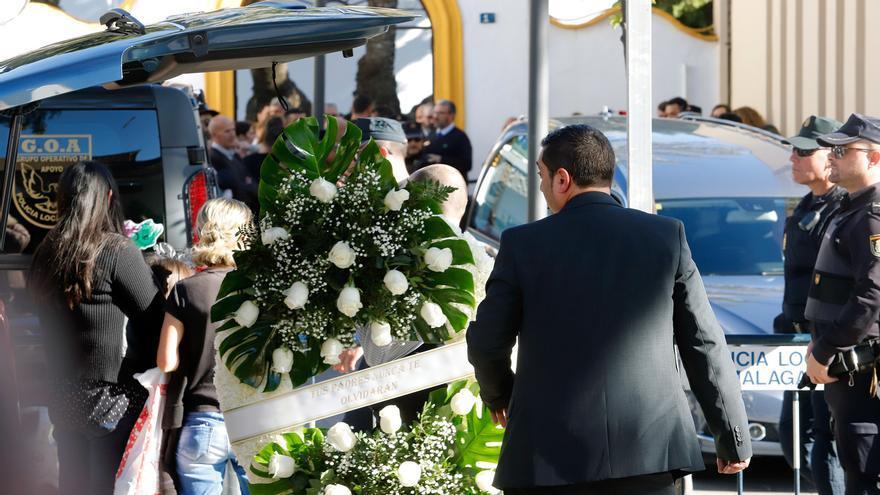 Familiares, amigos y vecinos dan el último adiós a Julen, el niño hallado sin vida tras caer en un pozo