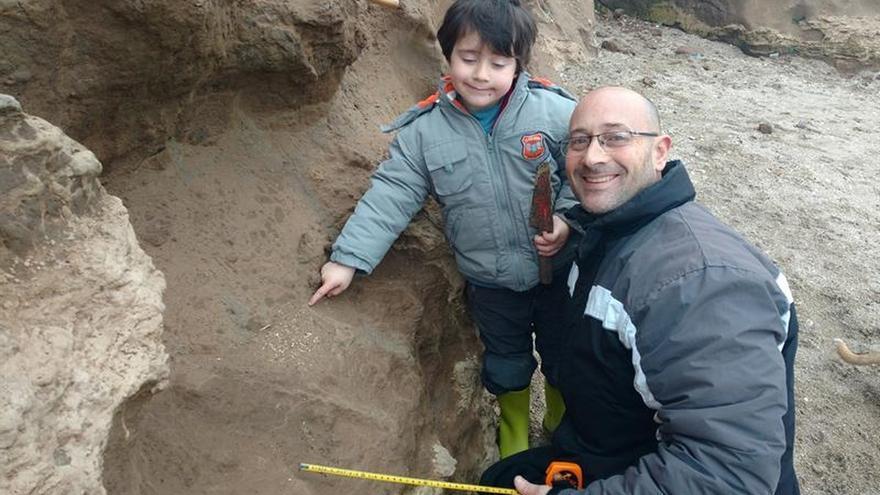 Un niño encuentra en Argentina restos fósiles que se cree tienen 500.000 años
